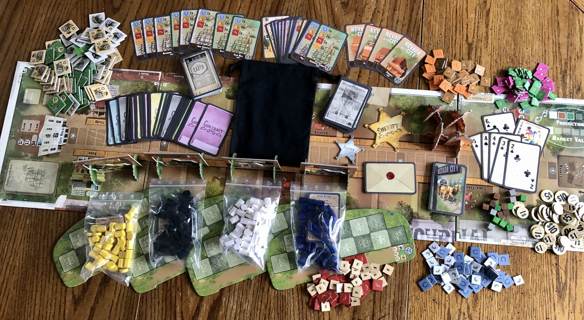 Nevada City components included in the game